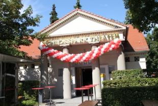 Das Schlosspark Theater, festlich geschmückt