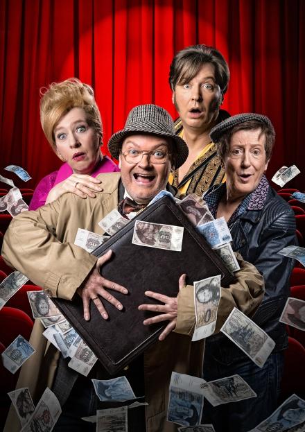 """""""Funny Money"""" Pressemotiv hoch — © DERDEHMEL/Urbschat"""