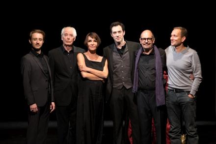 Ensemble mit Regisseur — © DERDEHMEL/Urbschat