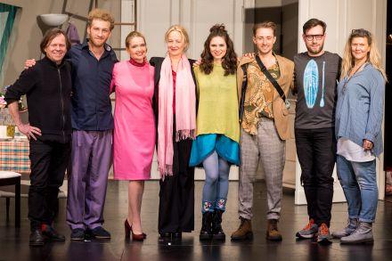 SCHMETTERLINGE SIND FREI - Ensemble und Kreative — © DERDEHMEL/Urbschat