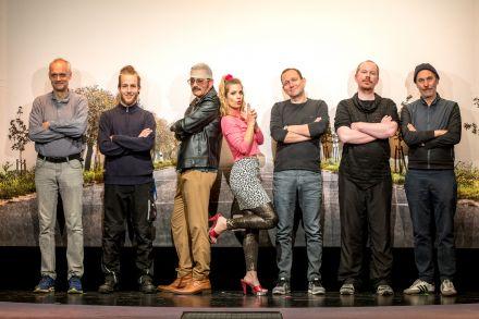 ZWEI WIE BONNIE UND CLYDE - Ensemble und Kreativteam — © DERDEHMEL/Urbschat