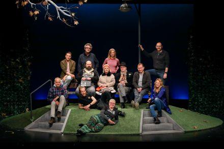 WINTERROSE - Ensemble mit Kreativen und Team des Schlosspark Theaters — © DERDEHMEL/Urbschat
